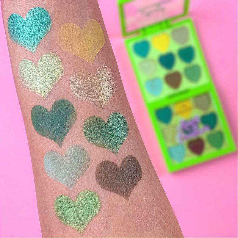 I Heart Revolution Heartbreakers Eyeshadow Palette Lucky