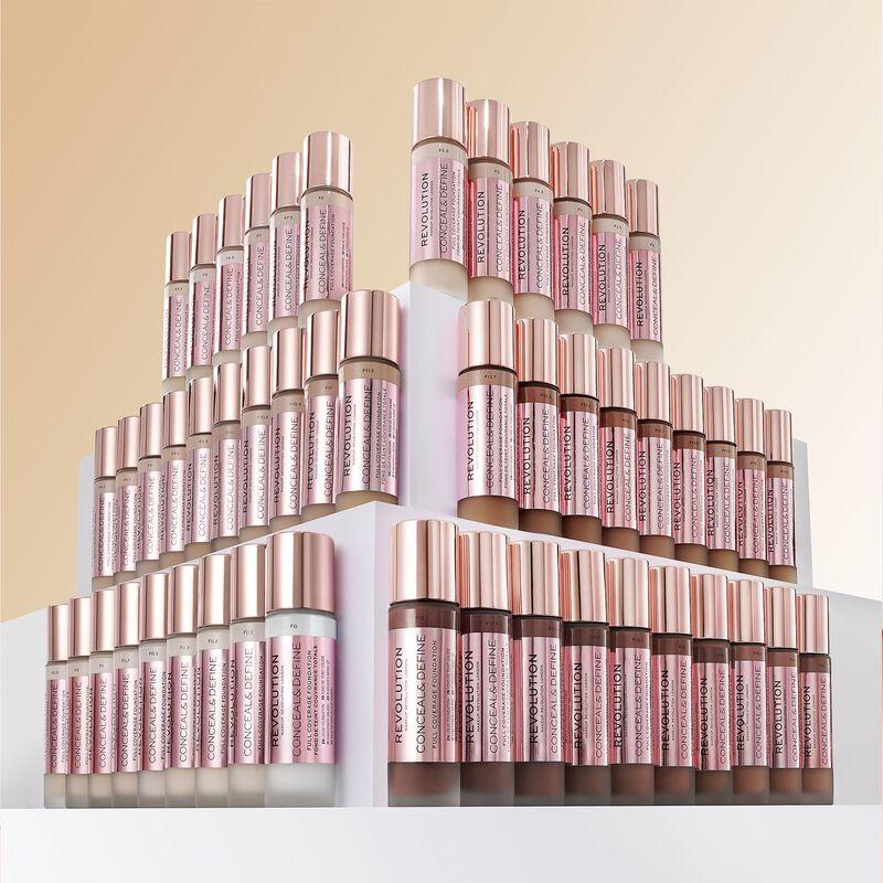 Makeup Revolution Conceal & Define Foundation F18