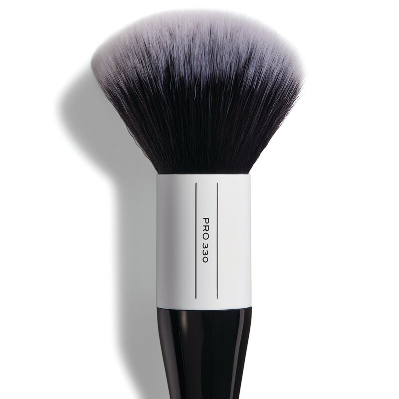 330 Large Fluffy Powder Brush
