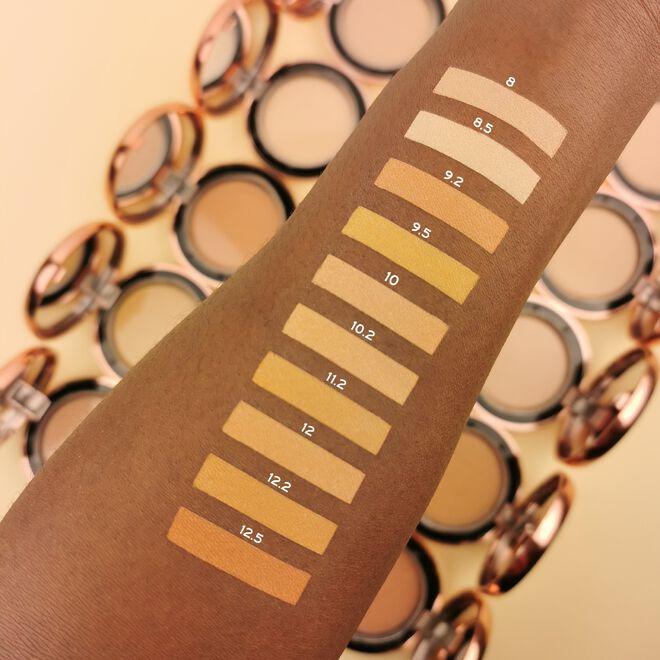 Makeup Revolution Conceal & Define Powder Foundation