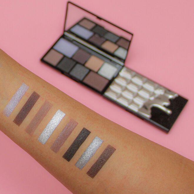 I Heart Revolution Black Pearl Mini Chocolate Eyeshadow Palette