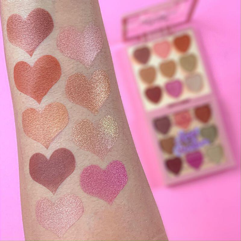 I Heart Revolution Heartbreakers Majestic Eyeshadow Palette