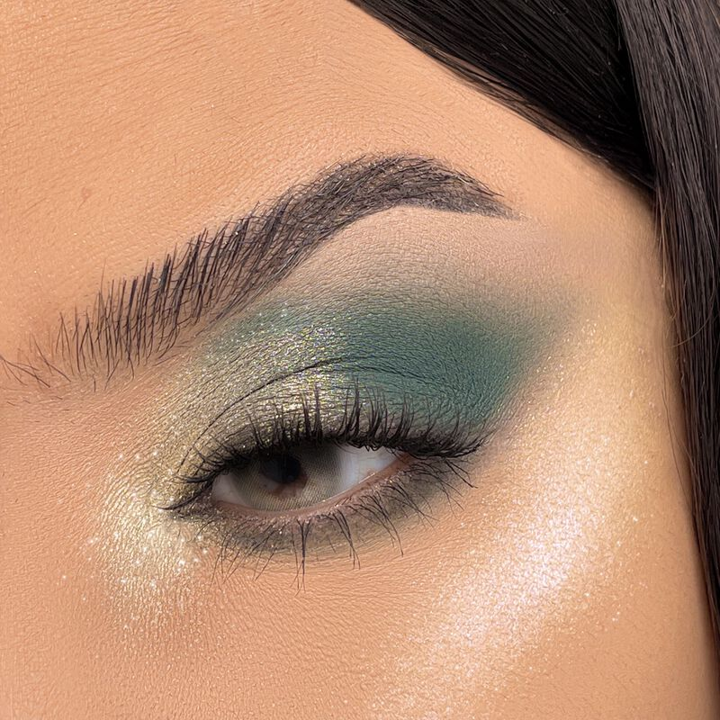 Revolution Pro Moments Eyeshadow Palette Enchanting