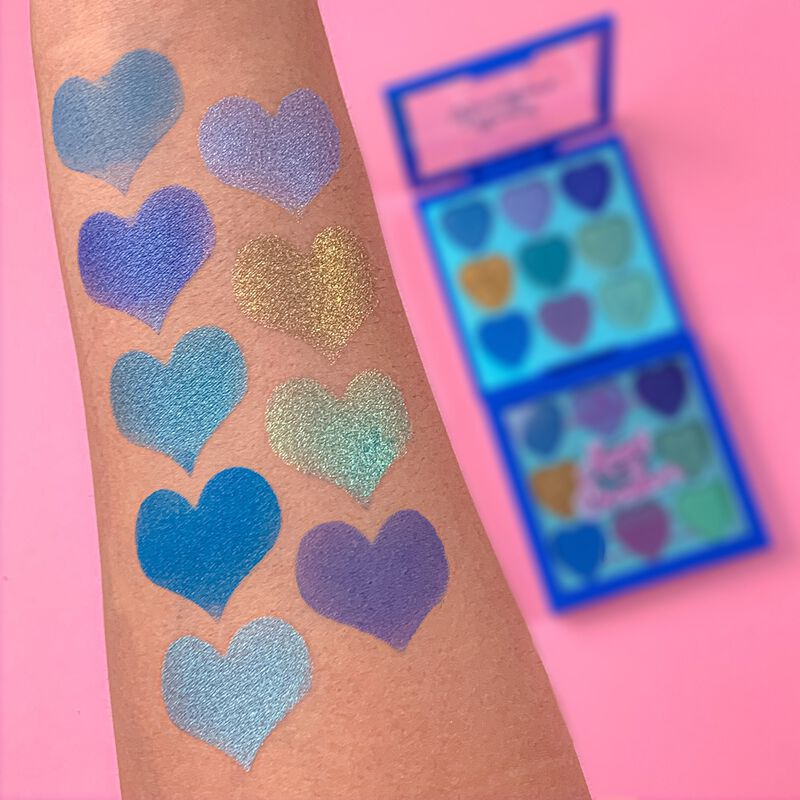 I Heart Revolution Heartbreakers Eyeshadow Palette Daydream