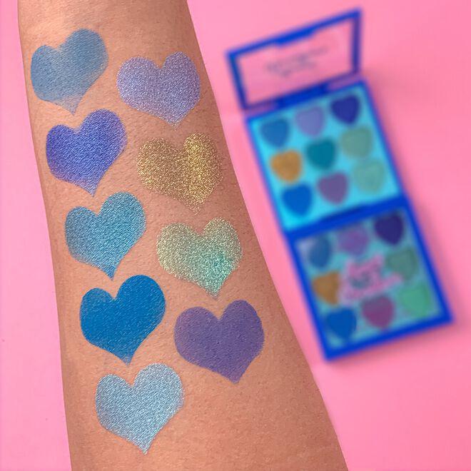 I Heart Revolution Heartbreakers Eyeshadow Palette Daydream
