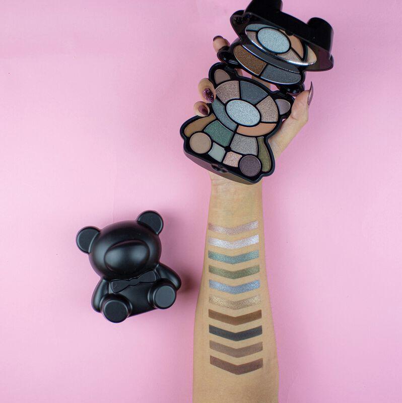 I Heart Revolution Teddy Bear Eyeshadow Palette Jett