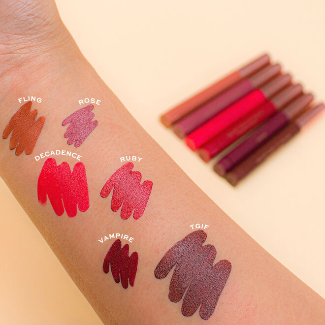 Makeup Revolution Velvet Kiss Lip Crayon
