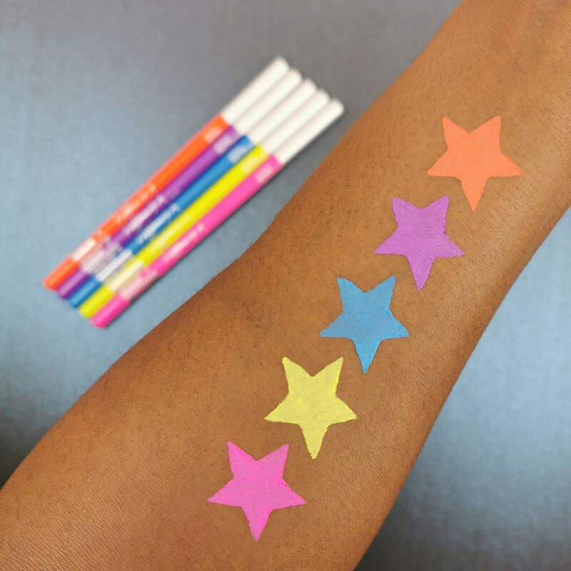 Makeup Obsession X Tiffany Illumin_arty Kaleidoscopic Dreams Kohl Eyeliner Set
